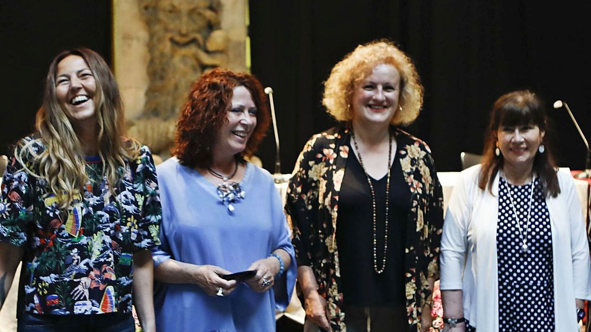 Mesa redonda de mujeres, primer acto previo a la Feria del Libro | MARCOS LEÓN