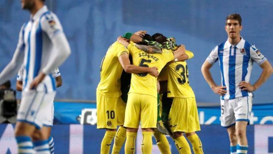 Cazorla y Gerard alejan al Villarreal del descenso