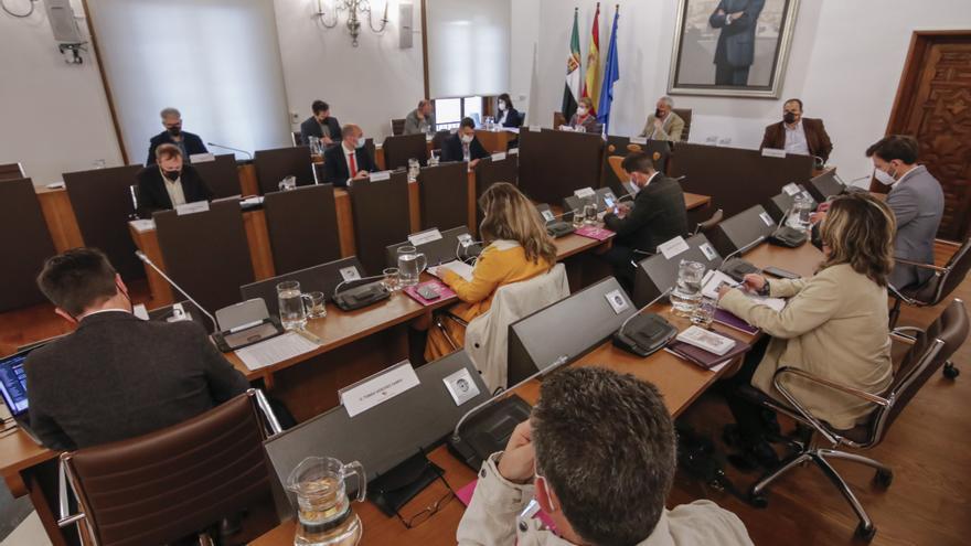Diputación y Uex crearán un posgrado contra la despoblación