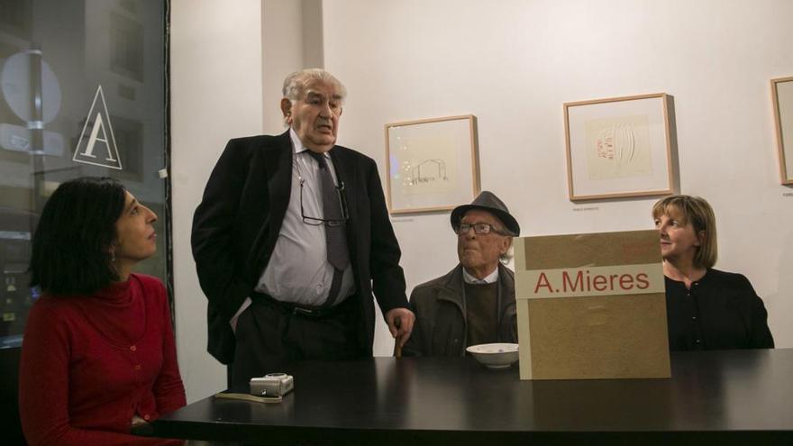 Exposición de grabados en homenaje a Mieres