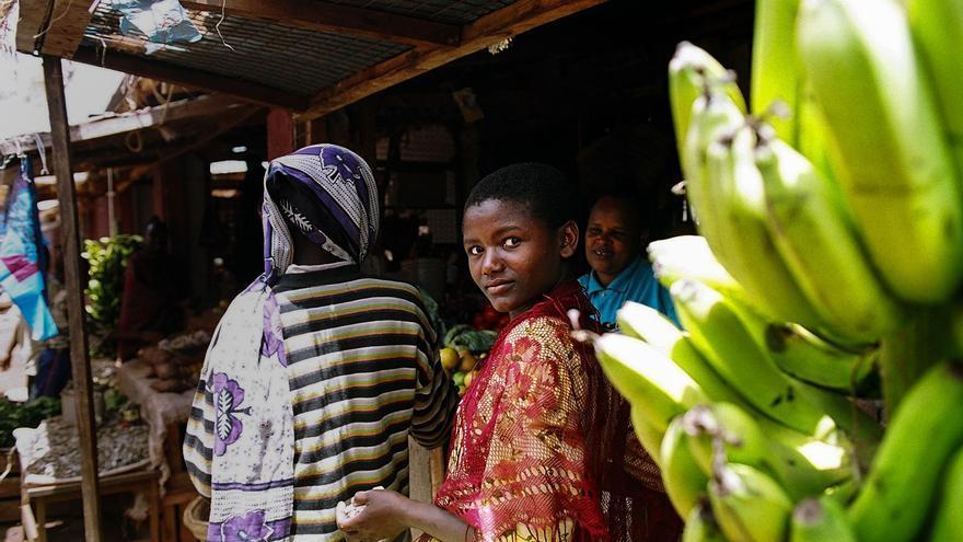 """Casa África expone la obra africana del fotoperiodista tinerfeño Cristóbal García en la muestra """"Africa(nos)"""""""