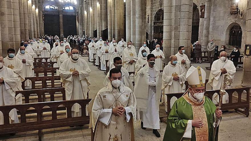 Una eucaristía en la Catedral abre el sínodo diocesano de Ourense