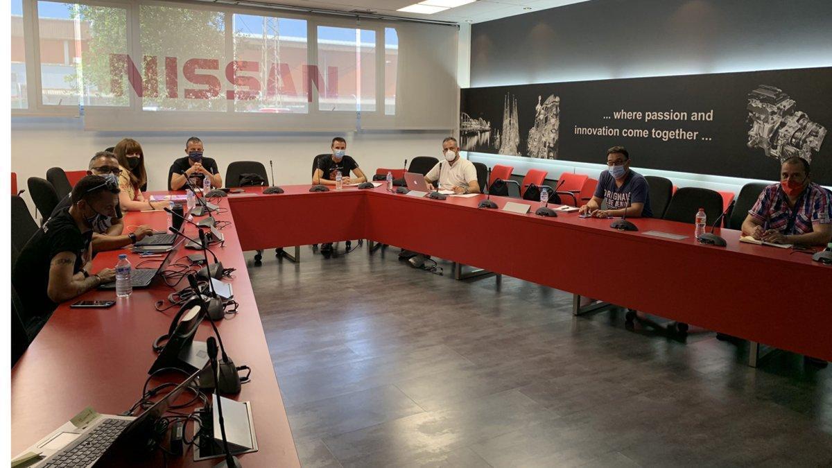 Nissan y los sindicatos siguen hoy la negociación