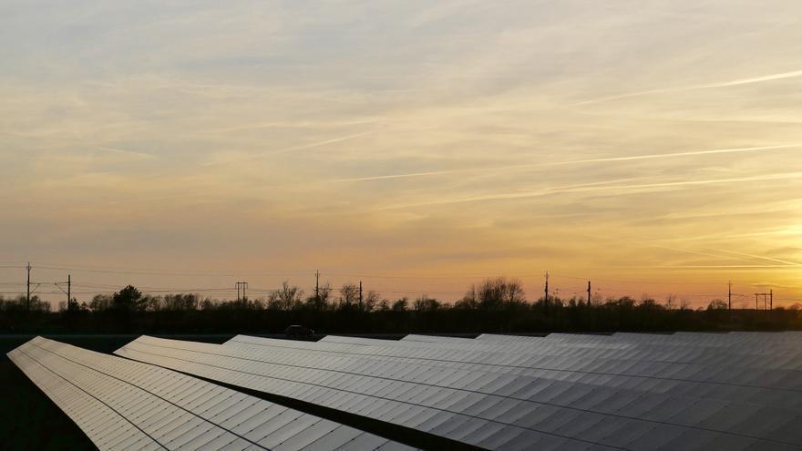 Únete al movimiento sostenible e instala tu sistema fotovoltaico de forma rápida y sencilla
