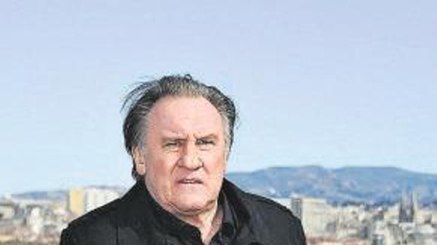 Petición para volver a abrir el caso de violación contra Gérard Depardieu
