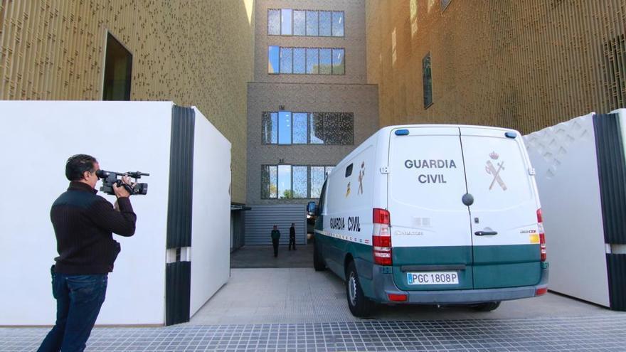 Jesús León, detenido | El presidente del Córdoba CF entra en la Ciudad de la Justicia
