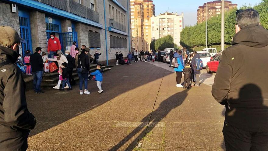 El colegio Santa Olaya inicia paros semanales para exigir a la Consejería más personal de apoyo