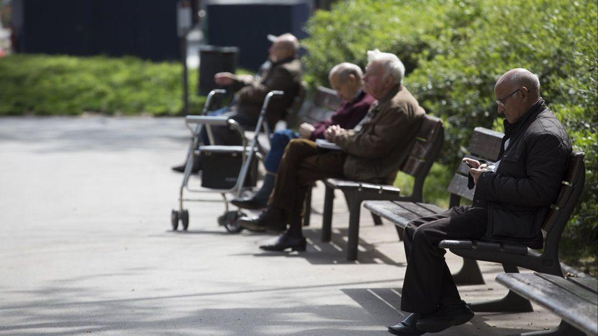 El gasto en pensiones mensual supera los 10.000 millones por primera vez al subir el 3,26% en enero