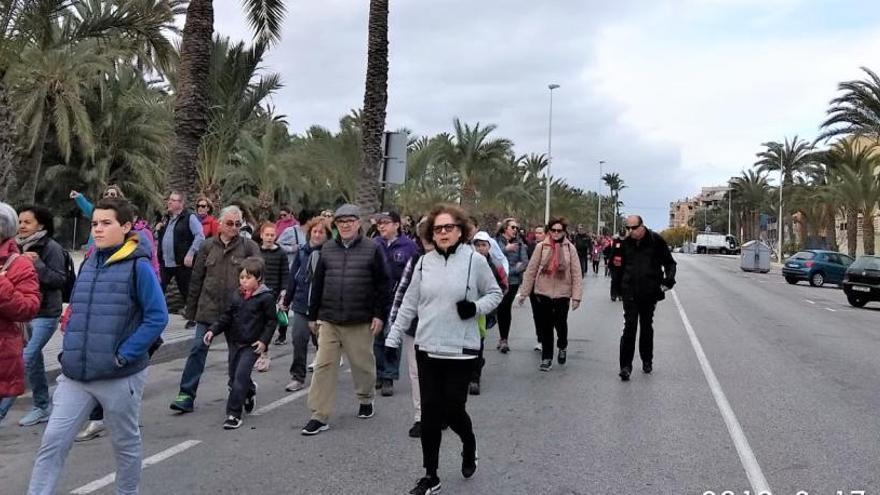 Cerca de cien peregrinos homenajean en Perleta a San Vicente Ferrer