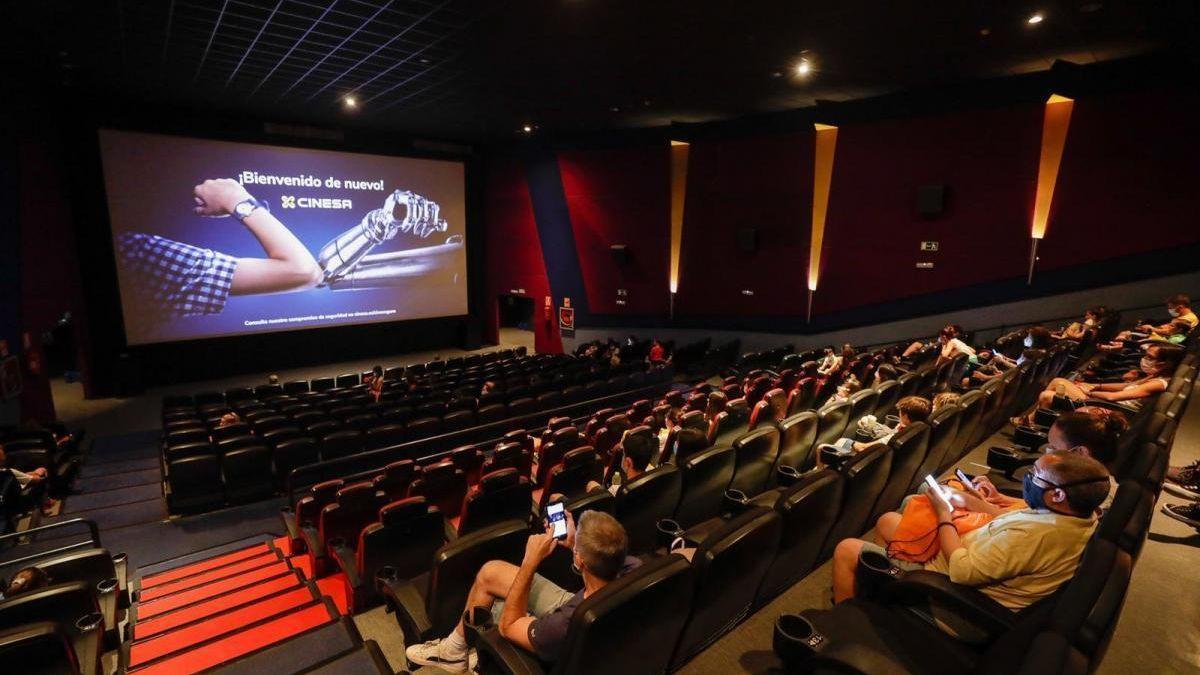 Las salas de cine buscan atraer más espectadores a sus sesiones.