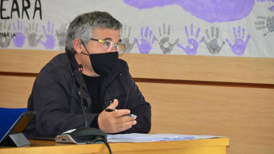 """Fervenza pide a la alcaldesa """"valentía"""" para frenar la indemnización por la piscina"""