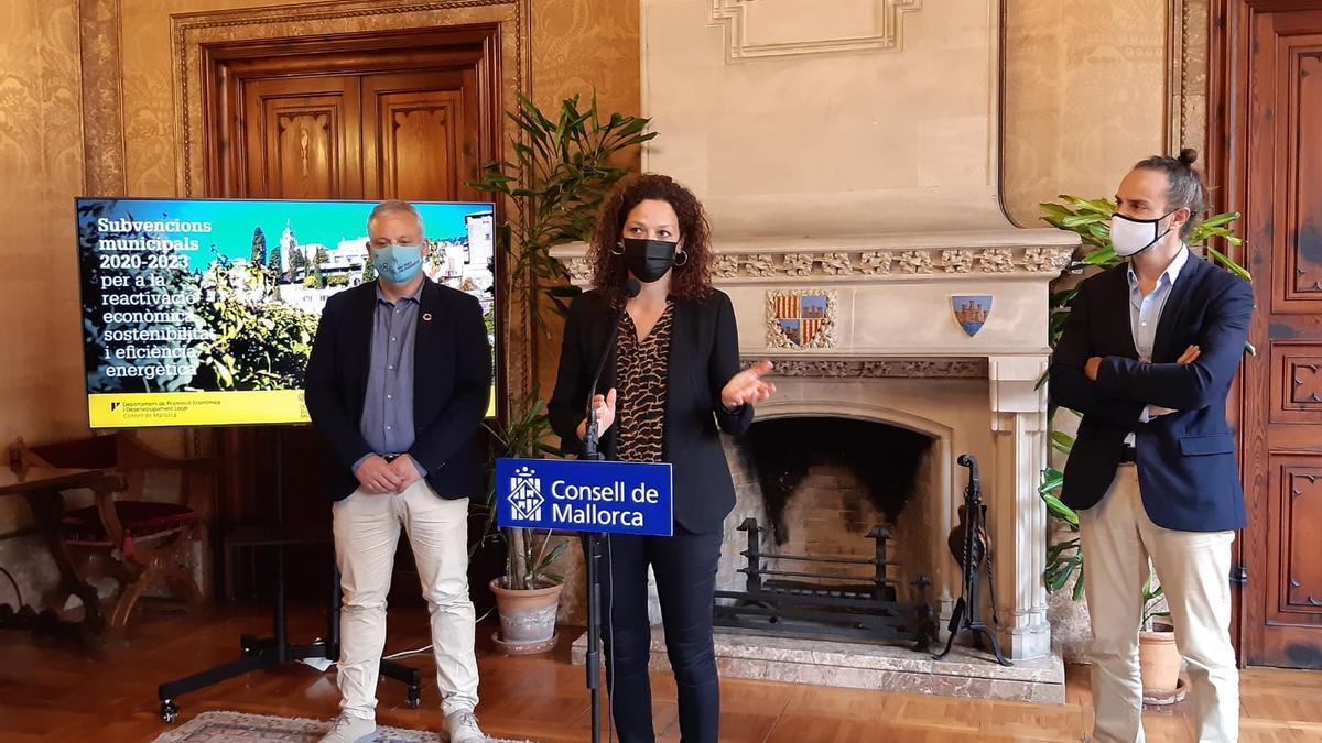 El Consell de Mallorca firma convenios con 52 ayuntamientos para repartir 7,9 millones para sostenibilidad y eficiencia