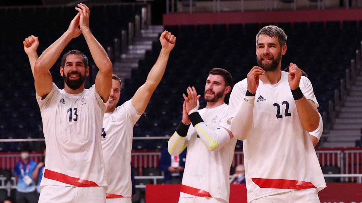 Nikola Karabatic y Luka Karabatic celebran el pase de Francia a la final de Tokio.