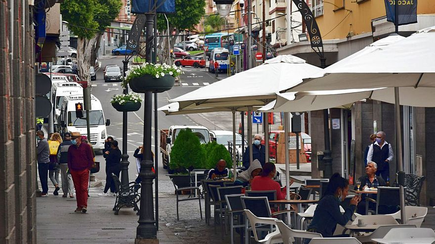Gáldar y Agüimes dan más espacio en las calles a los bares y cafeterías