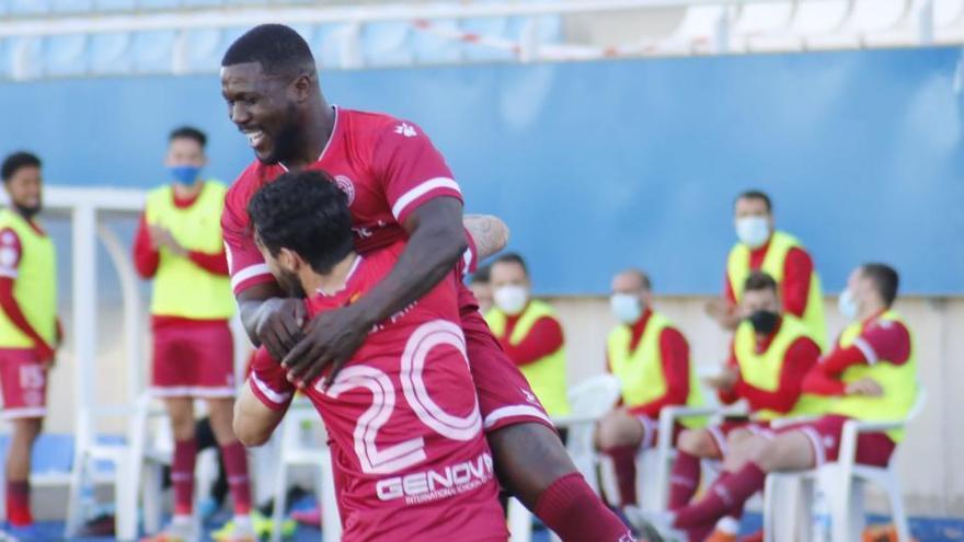 Drenthe marca su primer gol con el Racing Murcia