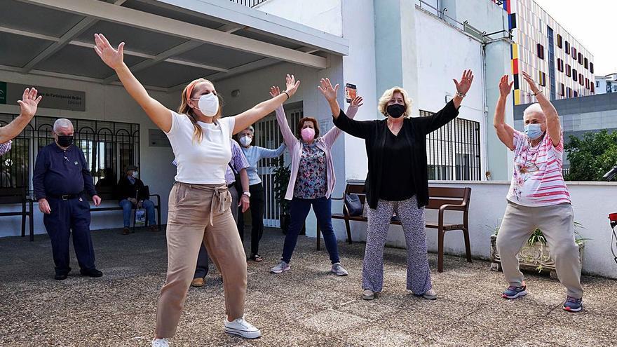Los mayores de Córdoba inician el otoño con ansia de normalidad y actividad cultural