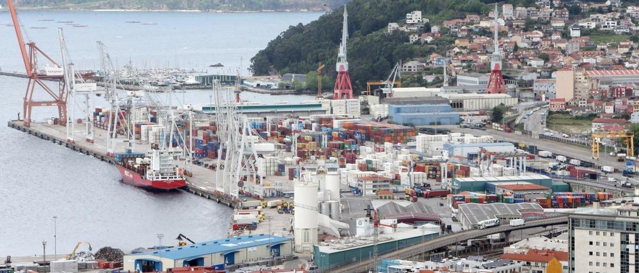 El muelle de Guixar del puerto de Vigo. // Marta G. Brea