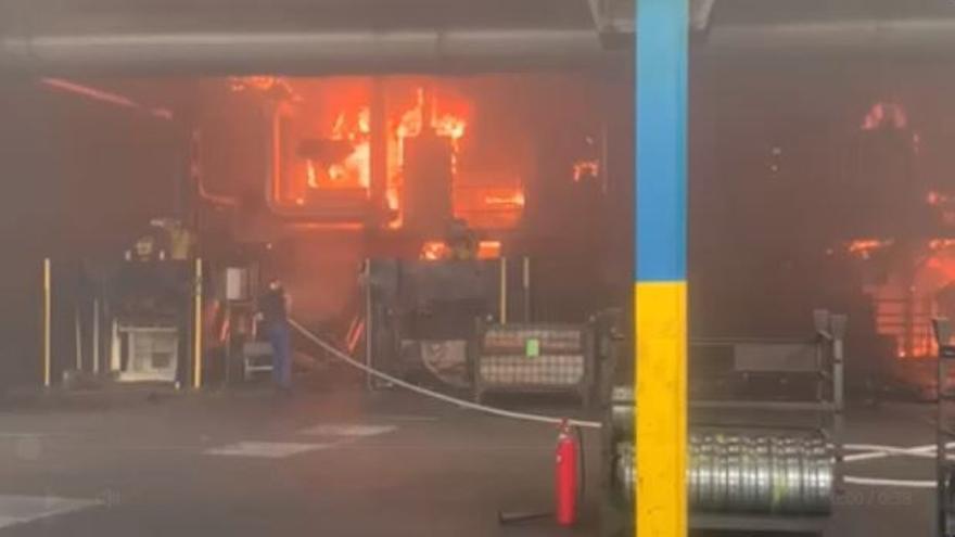Interior de la fàbrica Lemmerz on s'ha declarat un incendi