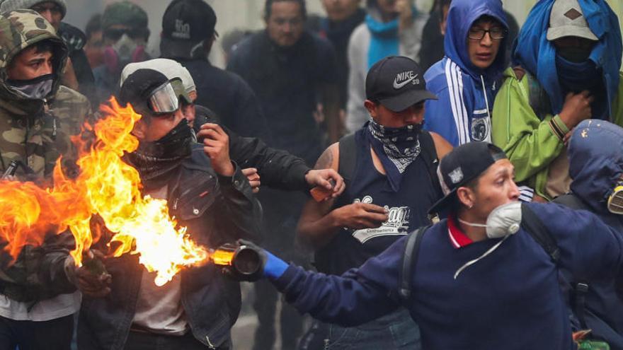 Indígenas denuncian la muerte de varios manifestantes en las protestas de Ecuador