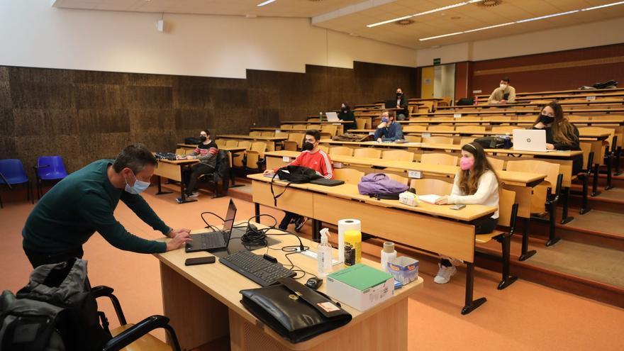 El estudiantado de la UMH de Elche retoma las clases en formato dual
