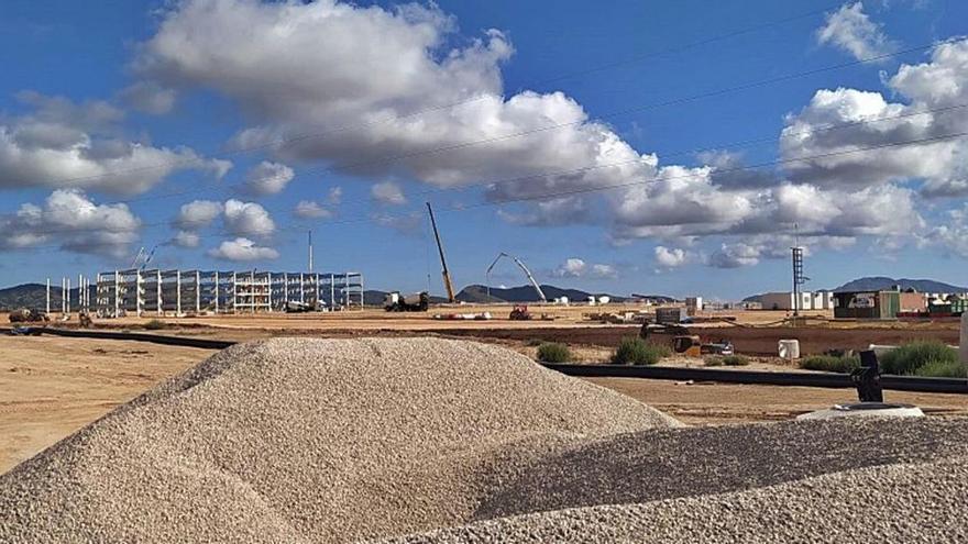 El aeropuerto de Corvera y Amazon buscan la compañía de otras plataformas logísticas