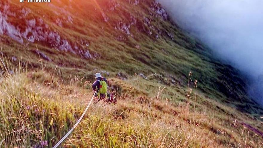 Rescatan a un montañero valenciano atrapado a 1.500 metros de altura en Cantabria