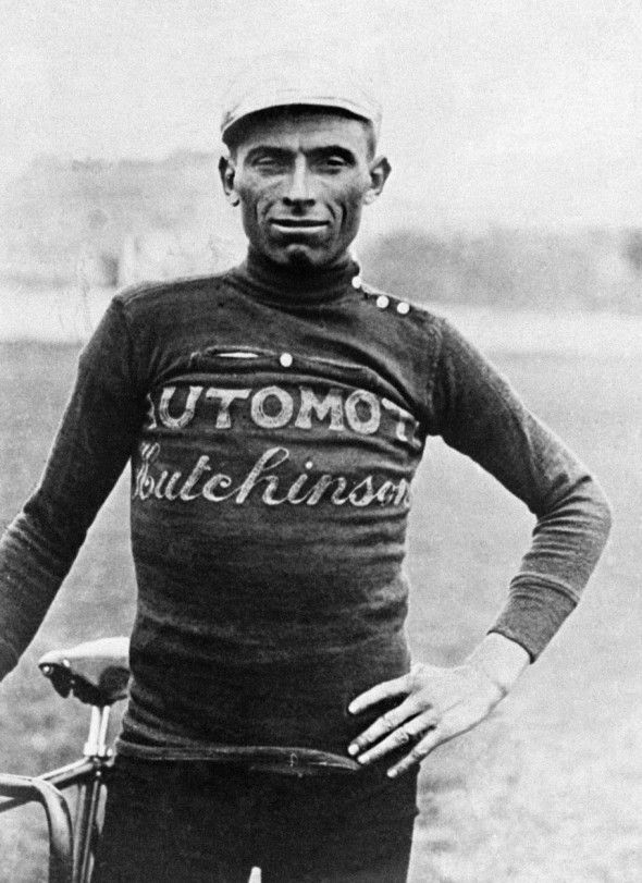 Ottavio Borrechia antes de subirse a la bici