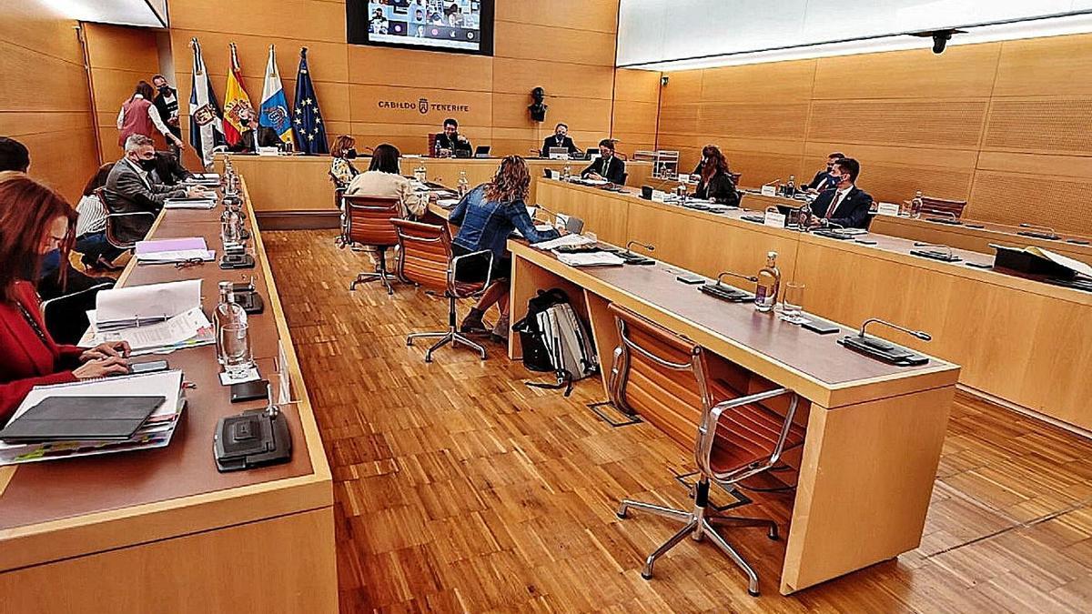 Imagen de un reciente Pleno del Cabildo.     MARÍA PISACA
