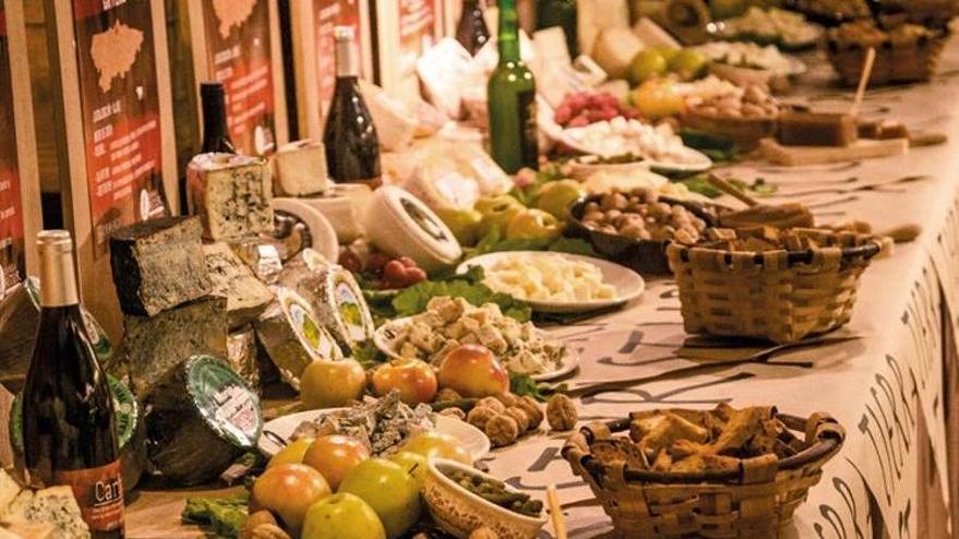 Asturias publica el catálogo de sus 329 quesos elaborados en la región