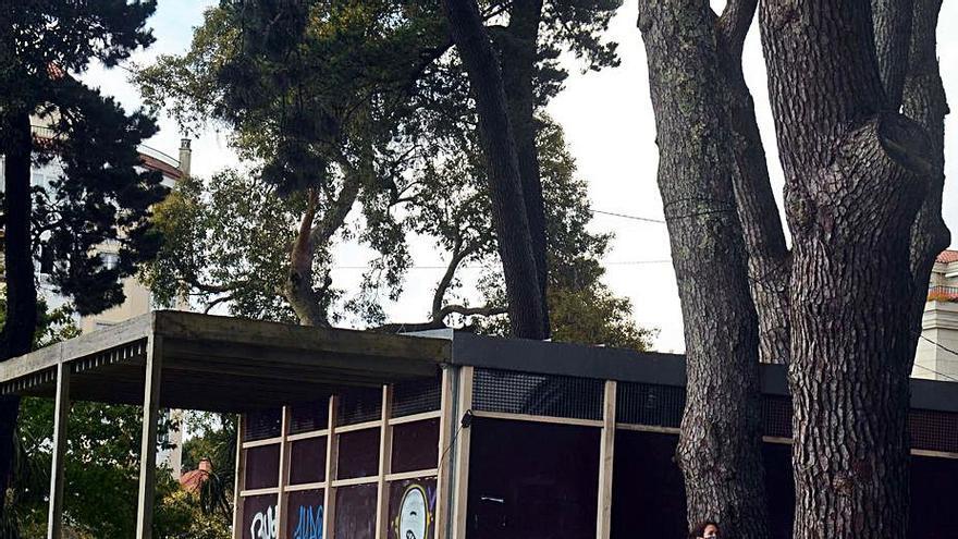Ravella saca a licitación el quiosco-bar de la playa Compostela por 400 euros al mes durante el verano