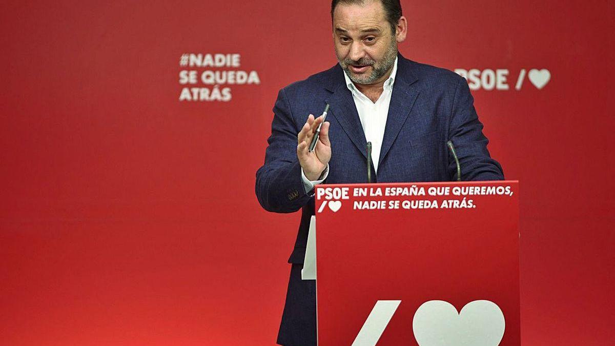 José Luis Ábalos, ayer, durante la valoración de los resultados electorales en Galcia y Euskadi.