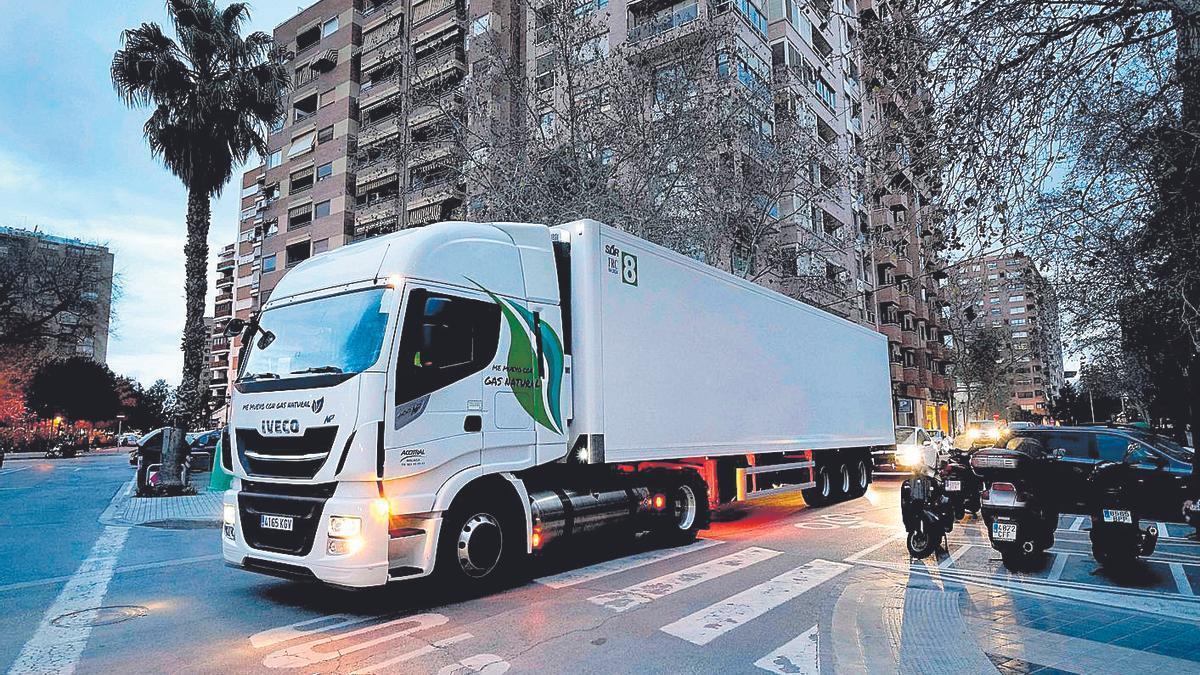 Camión propulsado a Gas GNL de la flota de Mercadona.