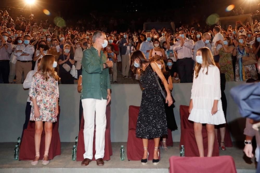 Los reyes y sus hijas llegan a Mérida para ...