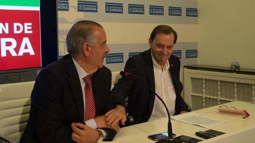 José Luis Bermúdez y Pedro García, a la izquierda