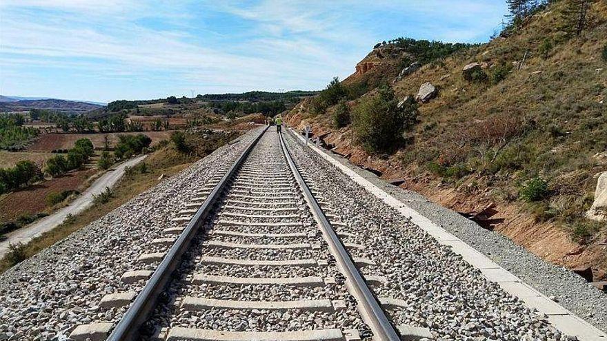 Adif adjudica por 41 millones la electrificación del tramo Zaragoza-Teruel