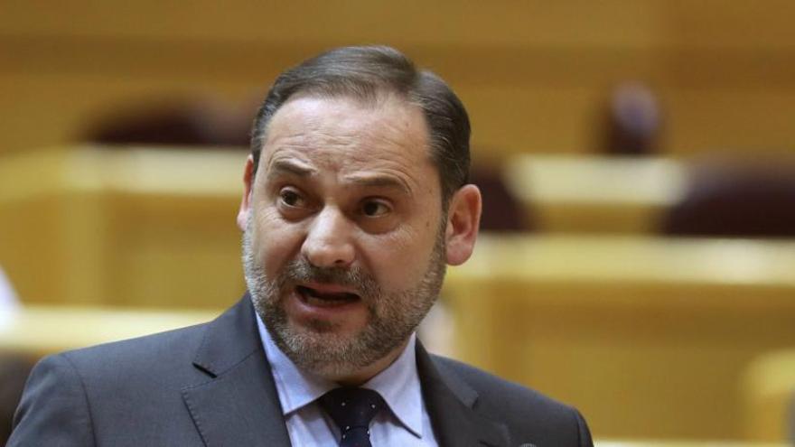 El juez del 'Delcygate' pide a Interior la normativa de funcionamiento de Barajas