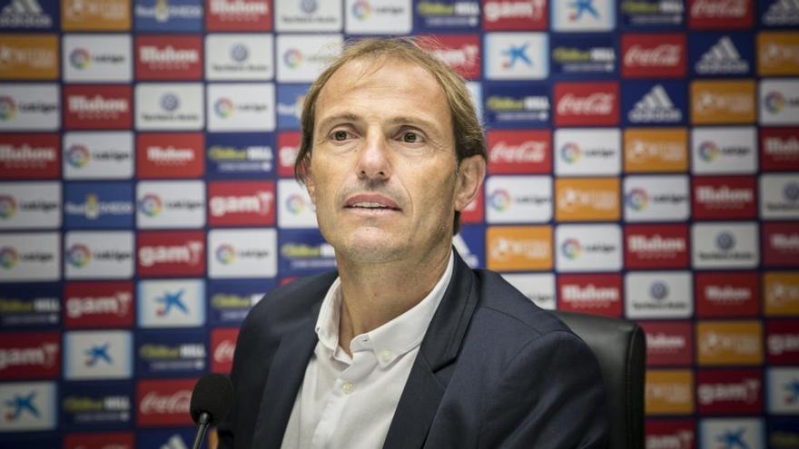 Arnau desgrana el Oviedo que quiere: reestructuración de sueldos, el futuro de Berjón y el objetivo del equipo