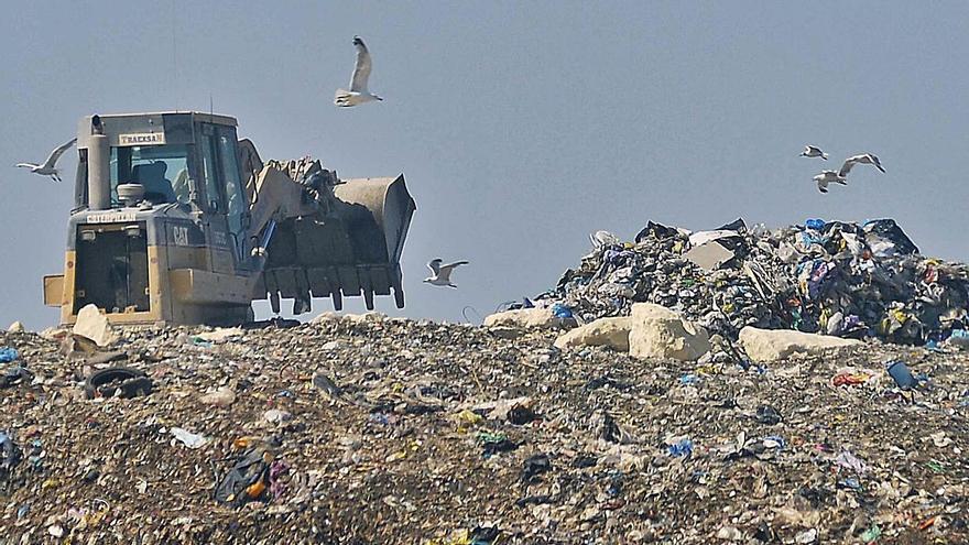 Un informe revela que el plan de residuos de la Generalitat está paralizado