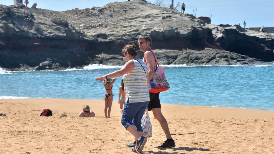 Costas paraliza la recuperación de la playa artificial de Tauro para el Estado