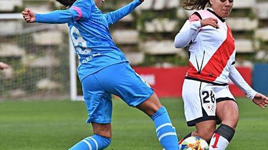La bagenca Paula Fernández inicia la remuntada del Rayo davant el València amb un gol