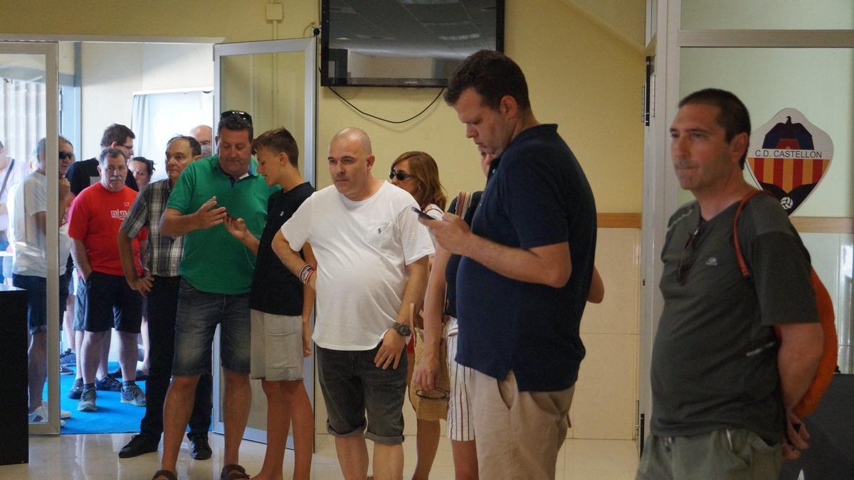 La afición del CD Castellón está respondiendo a la campaña de abonos.