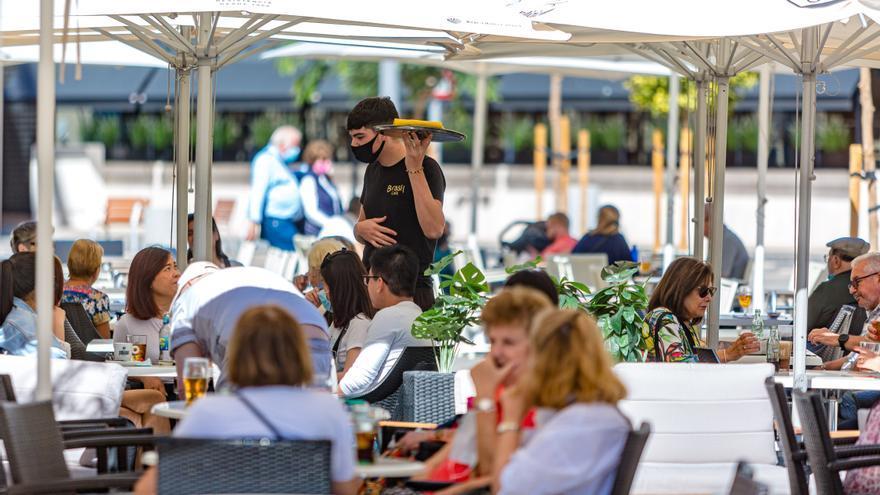 La Comunidad Valenciana prevé ampliar horarios en la hostelería a partir de la semana próxima