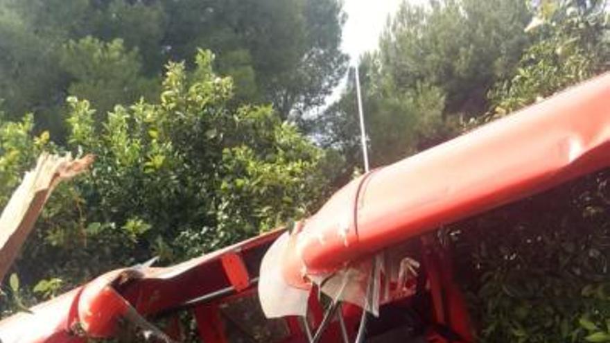 Una avioneta con dos ocupantes se estrella en Villar del Arzobispo