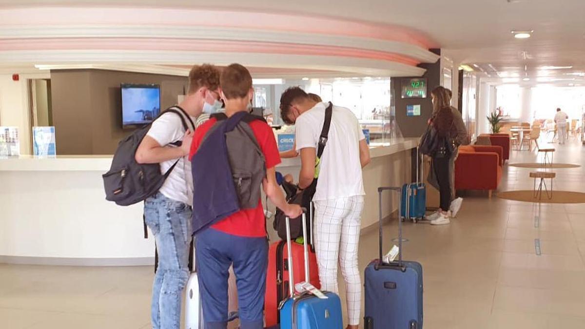 Recepción de un hotel en Ibiza.