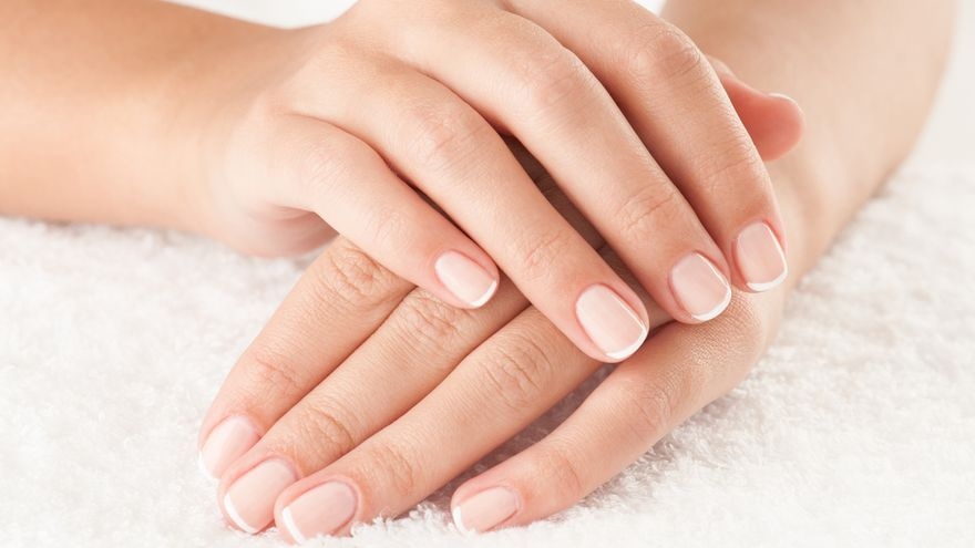 Cómo recuperar, sanear y fortalecer tus uñas después del verano