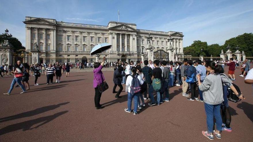 Los turistas extranjeros gastaron 49.119 millones en España hasta julio, el 15,1% más