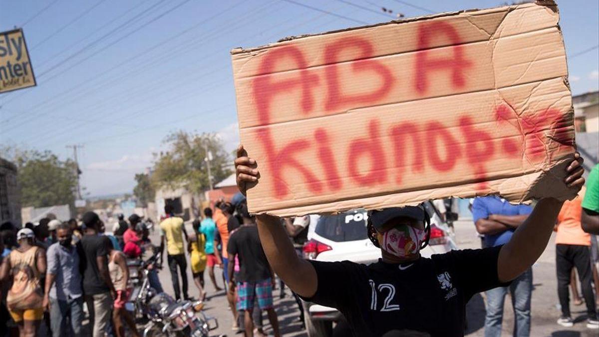 Vecinos de Haití salen a la calle hartos de los secuestros indiscriminados