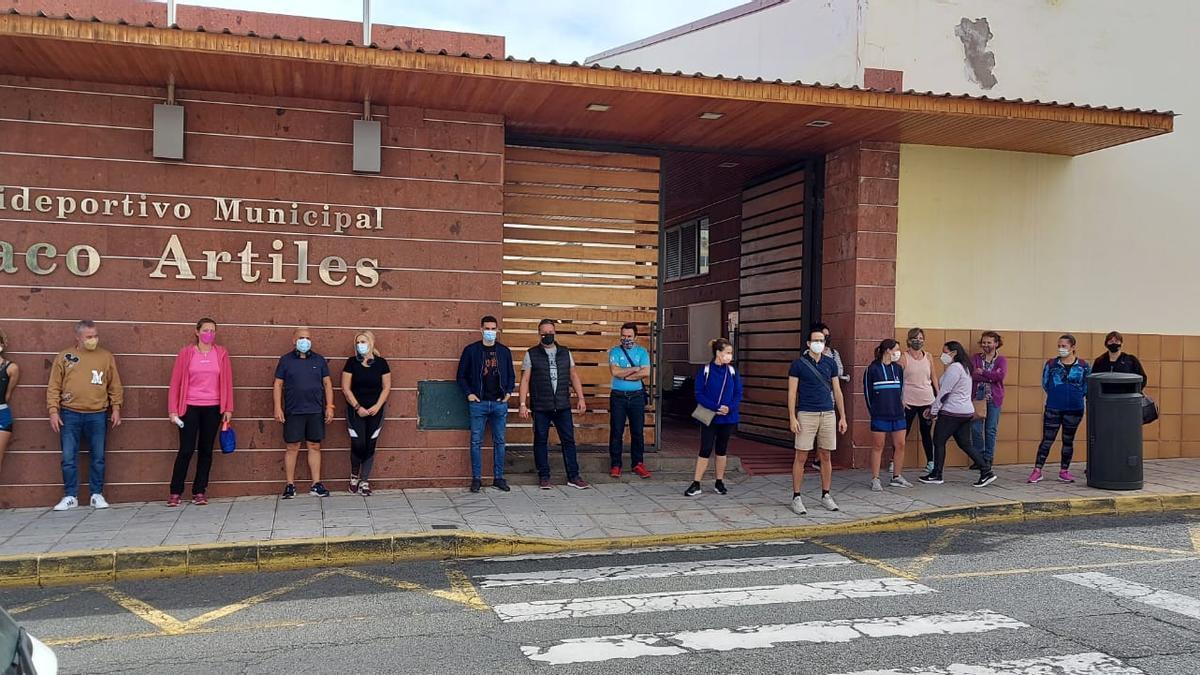 Trabajadores del polideportivo de San Juan