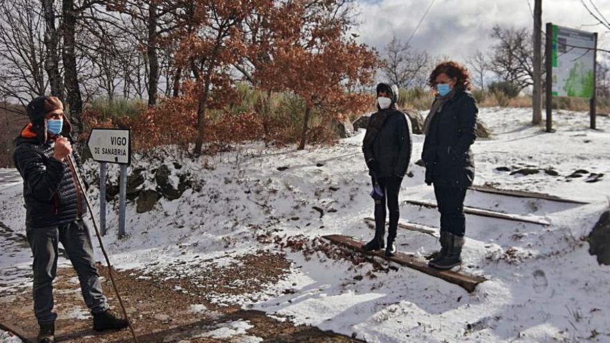 La nieve y el frío no detienen la vida de los pueblos de Sanabria
