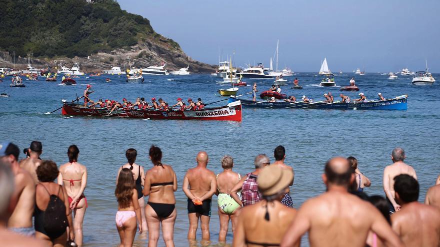 Las traineras gallegas cierran las clasificaciones en la primera jornada de La Concha